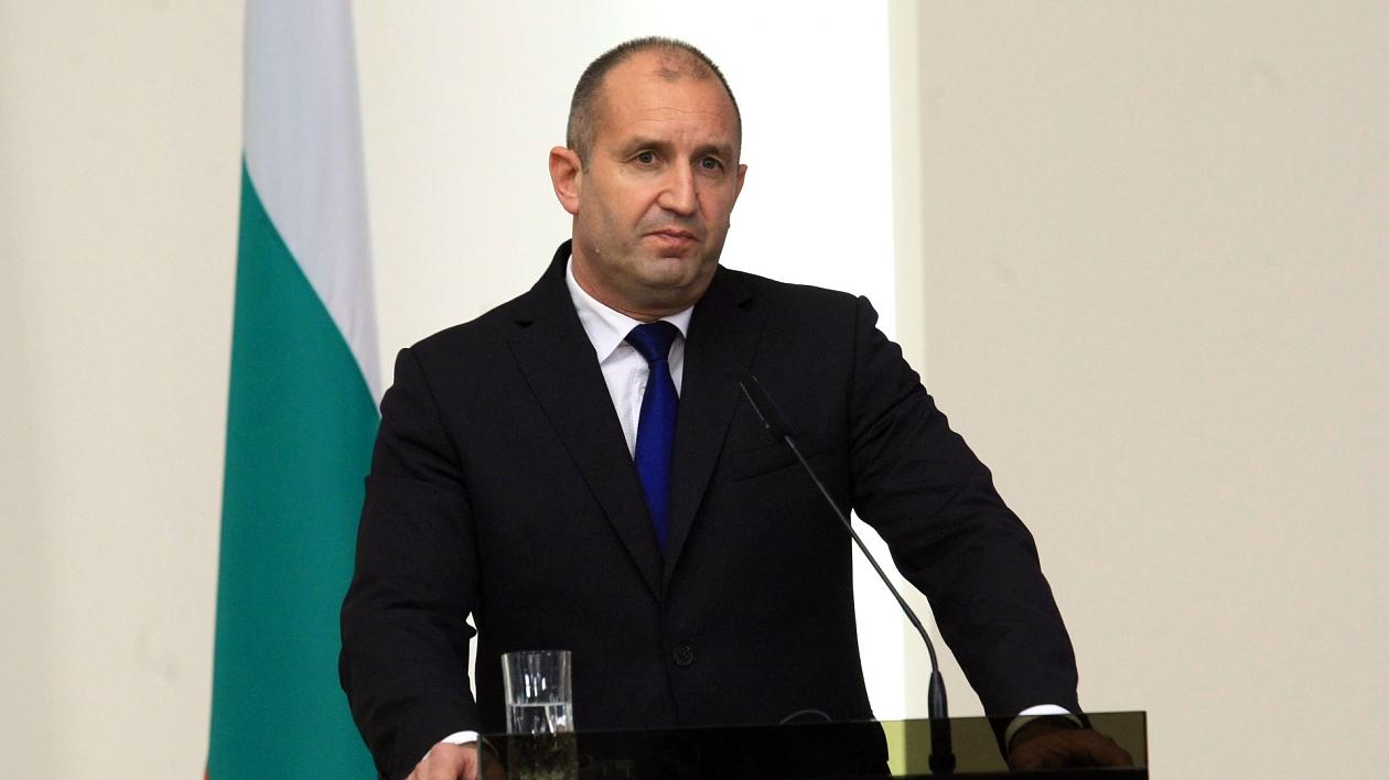 Д-р Москов: Г-н Президент, призовавам ви активно да се заразите