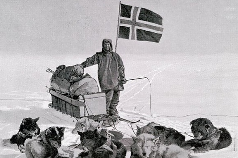 Резултат с изображение за Руал Амундсен достига Южния полюс.